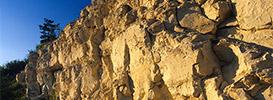 Kamieniołomy, piaskownie i samotne głazy