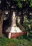 Figura z krzyżem w kształcie jakby bruśnieńskim w miejscowości Brody Duże koło Szczebrzeszyna