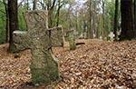 Cmentarz w przedwojennej wsi Tymosze na południowy zachód od Huty Kryształowej