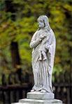Figurka na cmentarzu w Lubyczy Królewskiej Kniazie