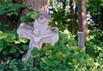 Cmentarz w Łówczy po renowacji nagrobków