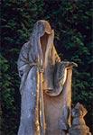Posąg śmierci dłuta Władysława Gruberskiego (1873-1933) w Sitańcu koło Zamościa