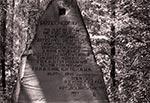 Pamiątkowa tablica na miejscu obozu NKWD w Błudku