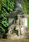 Pomnik z roku 1928, ku czci poległych w wojnie polsko-ukraińskiej w roku 1919 - Horyniec Zdrój