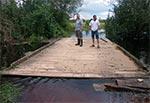 Pływający most na potoku Szum  nigdy nie jest zalewny, co nie znaczy, że jest przejezdny