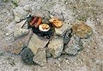 Minimalistyczny grill survivalowy