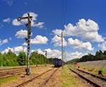 Na stacji przeładunkowej w Werchracie możemy oglądać klasyczne semafory - działające i używane jako jedyne. Jest to zapewne kolejowy ewenement w Polsce, a zarazem autentyczna atrakcja turystyczna - bo nie jest to atrakcja wyprodukowana dla turystów. Takie klimaty cieszą najbardziej, bo przenoszą nas do dawnych czasów.. (Wielkość oryginalnego pliku - 53 mln pix.)