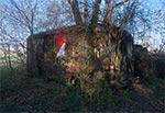 Starożytna przyczepa autobusu w Wólce Wierzbickiej - koło Machnowa Nowego