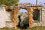 Zrujnowana kapliczka we wsi Potoki