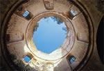 We wnętrzu ruiny cerkwi w Lubyczy Królewskiej-Kniaźie, pw. św. Paraskewy, z 1785r.