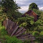 Ruiny gospodarstwa w Topólczy