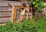 Zrujnowane domostwo w Kawęczynie