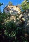 Ruina cerkwii w Kniaziach w czasach kiedy trudno było ją znaleźć w krzakach
