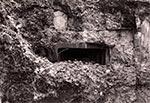 Okienko strzelnicze bunkra linii Mołotowa
