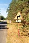 Droga przed Nowinami - znak z recyclingu ;)