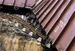 Aparat trzyma poziom - to wagony i tory są przechylone